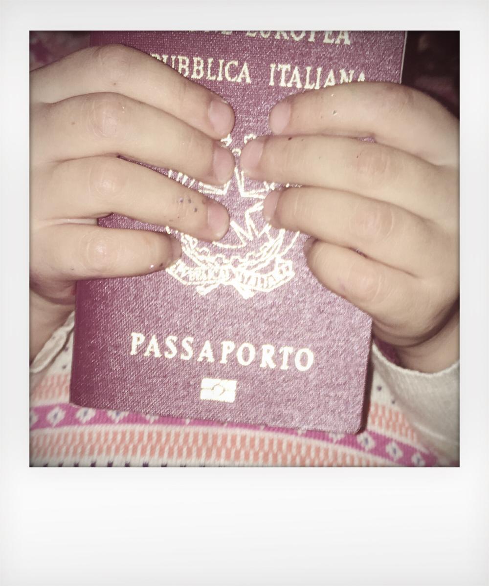 Passaporto per viaggio negli Stati Uniti con Esta
