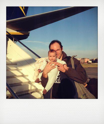 neonato in aereo