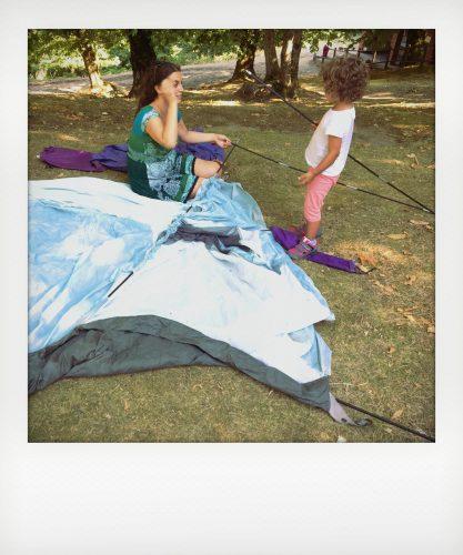 Bambini in tenda
